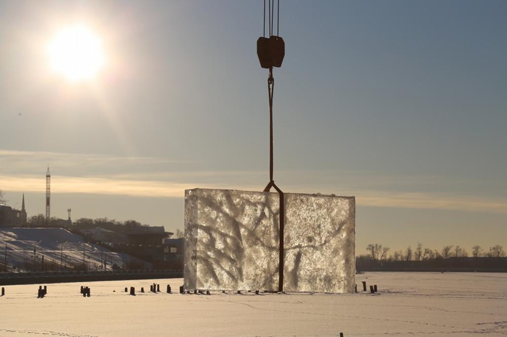 Заготовка льда для новогоднего городка началась в Ижевске