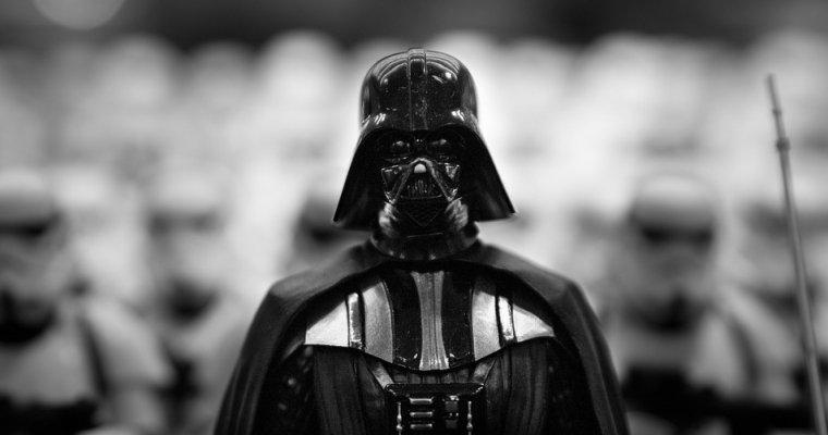 Девочка сыграла имперский марш из«Звездных войн» карандашом набумаге
