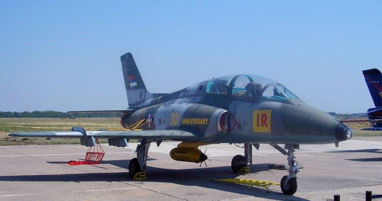 ВСербии впроцессе учений разбился военный самолет
