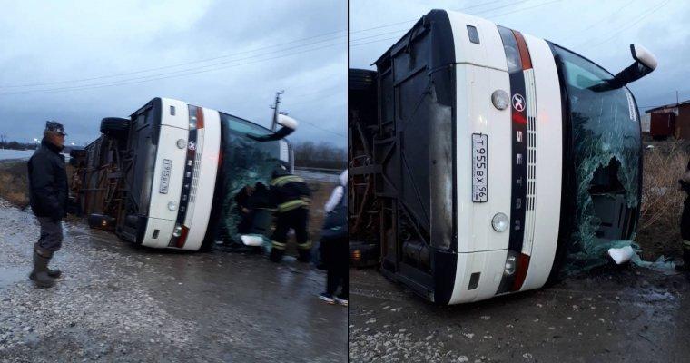 ВУдмуртии ночью перевернулся туристический автобус