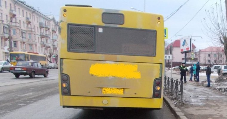 ВИжевске шофёр автобуса сбил ребенка зеркалом заднего вида