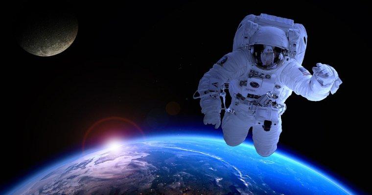 Заникатся сексом в космосе