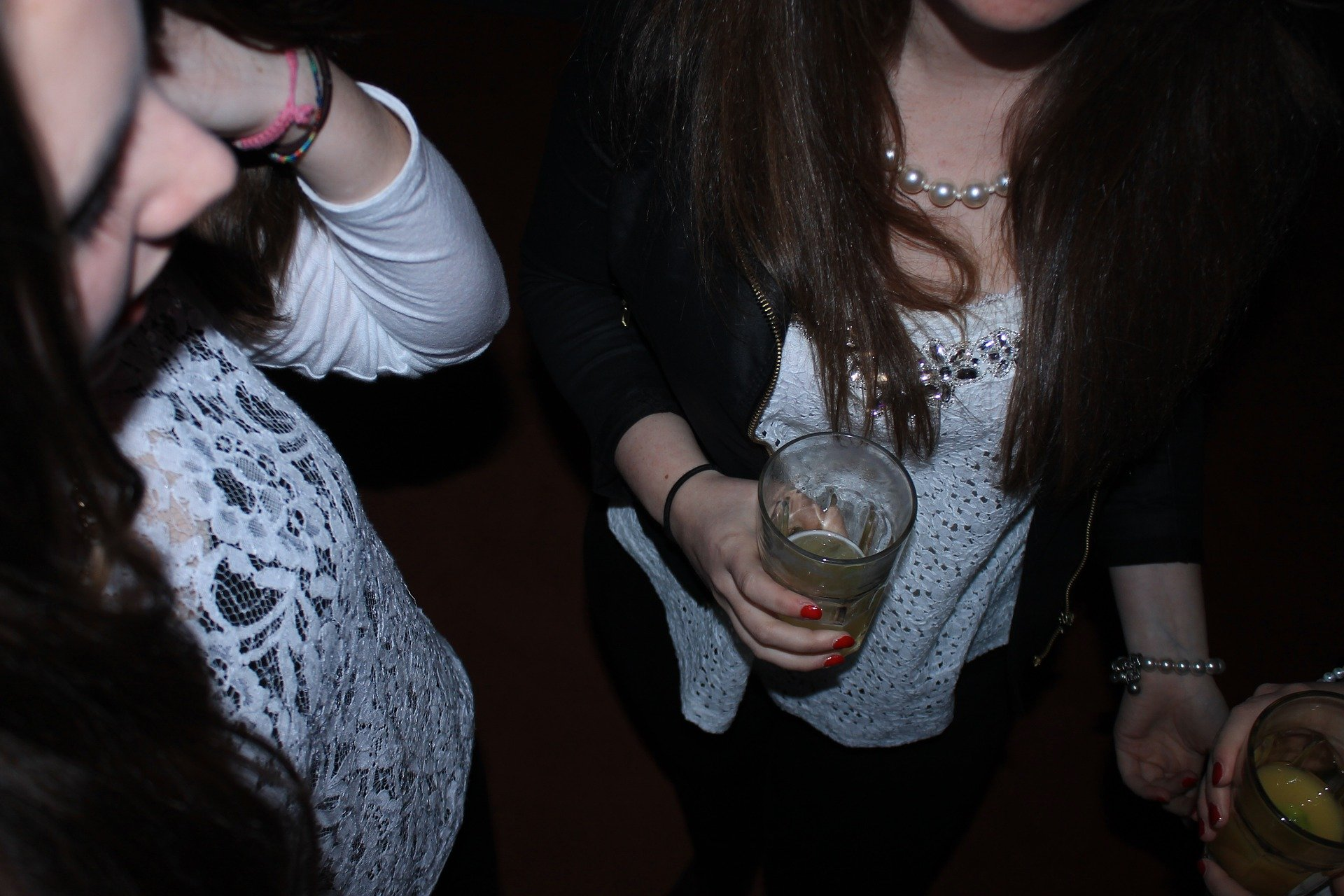 Фото девушек пьянки