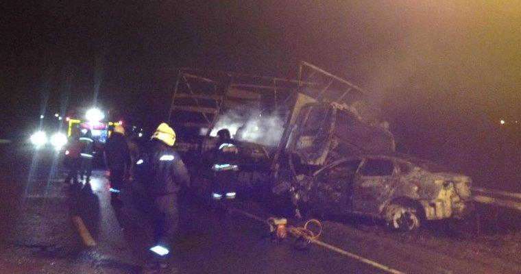 ВУдмуртии иностранная машина врезалась в фургон. Погибли два человека