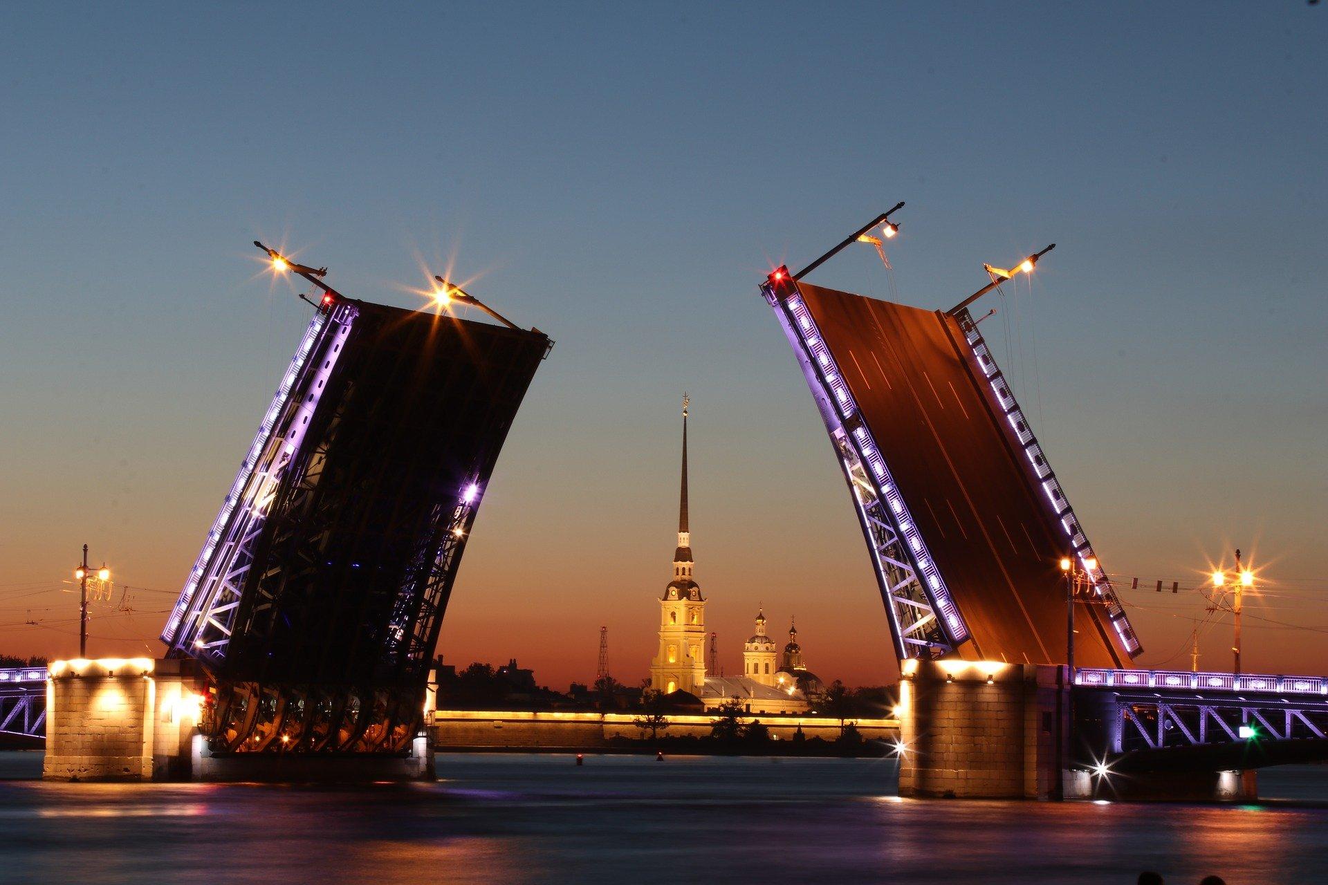 В Санкт-Петербурге с 17 июня введут дополнительные ограничения из-за коронавируса