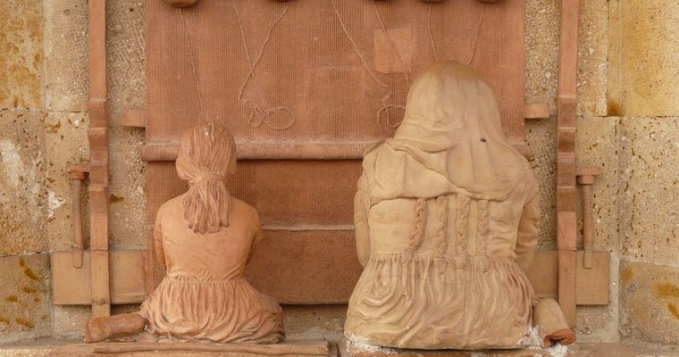 В древней гробнице в Китае найдены миниатюрные ткацкие станки