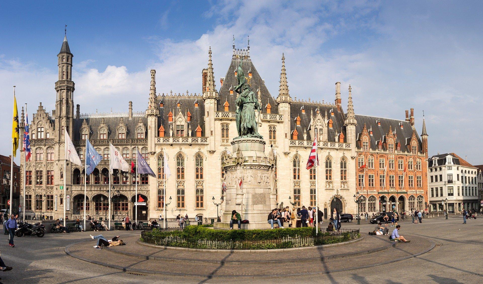 Принцесса Бельгии оглушила премьера выстрелом изстартового пистолета