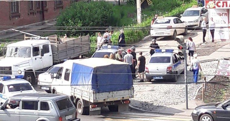Вооруженный ижевчанин потребовал 2 млн. руб. вотделении банка