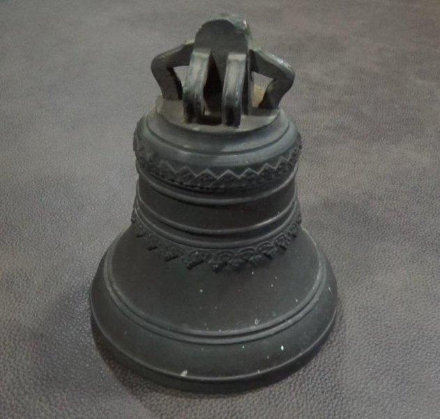 Школьники украли колокол изстарого заводского корпуса вИжевске