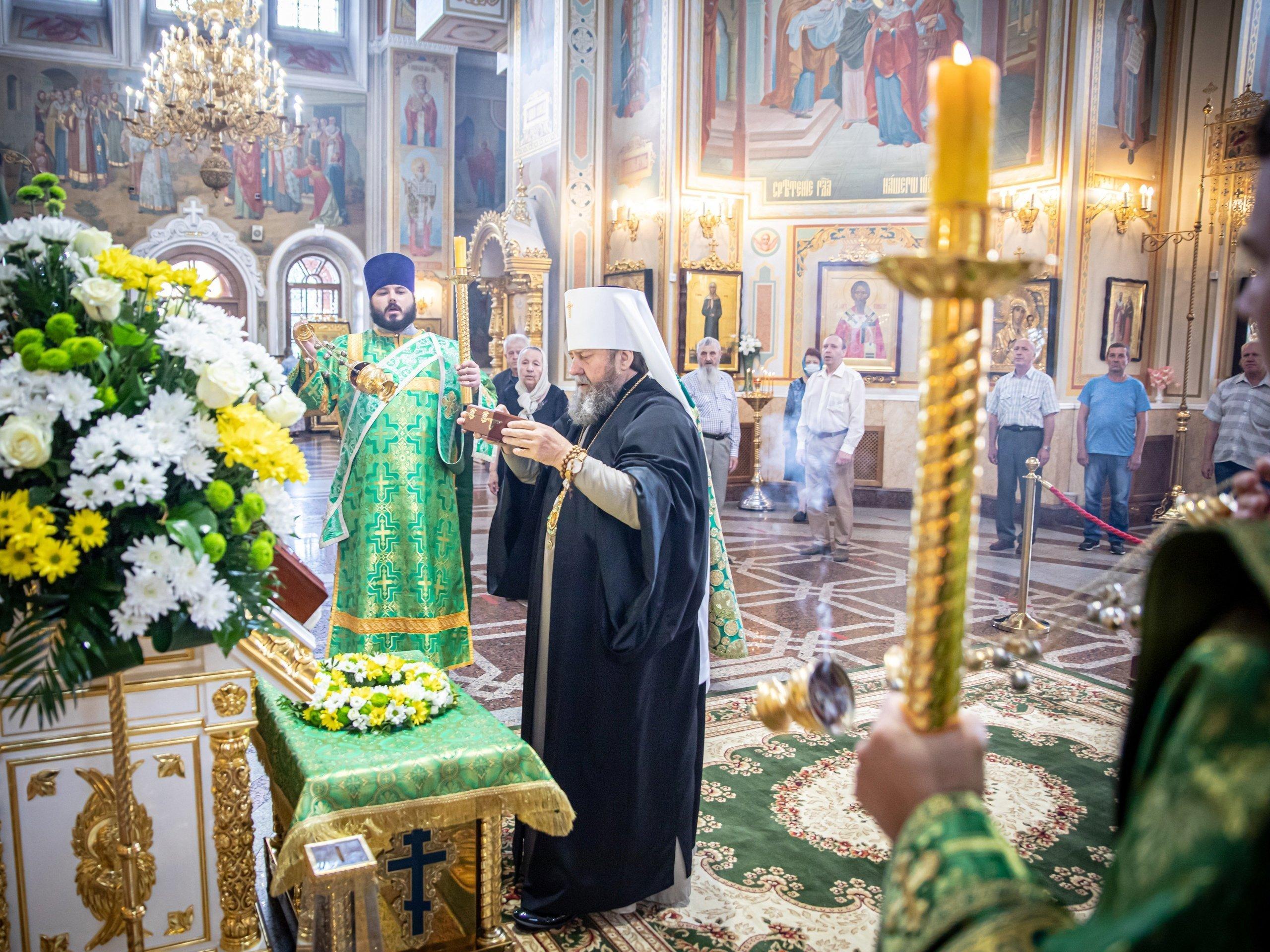 В Михаило-Архангельский кафедральный собор Ижевска привезли частицу мощей Серафима Саровского
