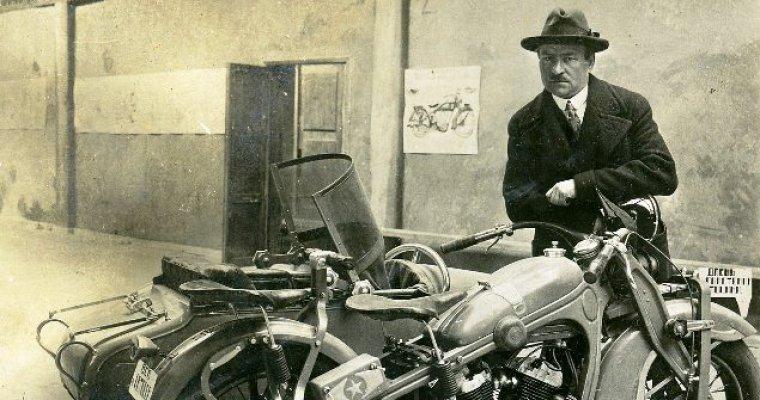 ВИжевске презентуют прототип монумента первому конструктору мотоцикла «ИЖ» Петру Можарову