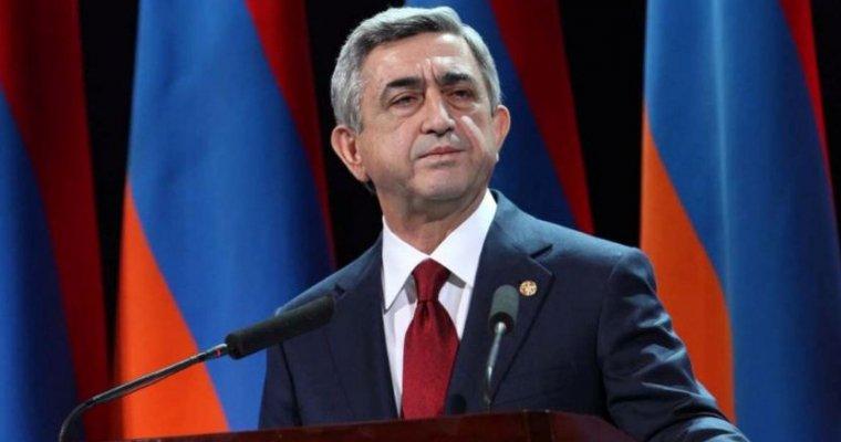 Ушедший вотставку Саргсян обратился спосланием кпротестующим