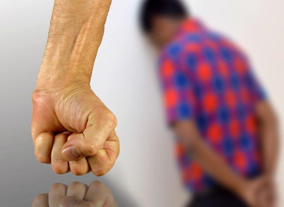 Воспитание электроошейником мучившему детей свердловскому бизнесмену ужесточили наказание