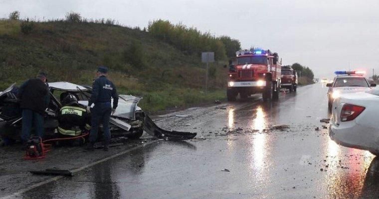 ДТП вУдмуртии: пассажир «ВАЗа» умер при лобовом столкновении с«Грантой» ФОТО