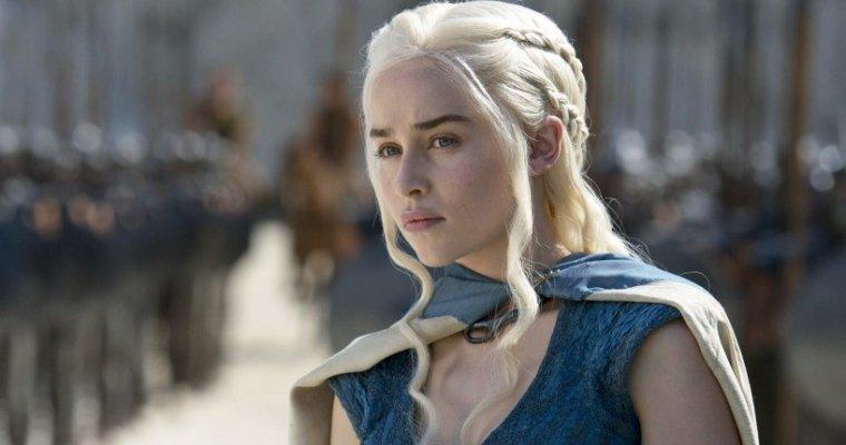 «Игра престолов по-дагестански»: девушка стала Матерью Драконов Дейенерис Таргариен из-за спора
