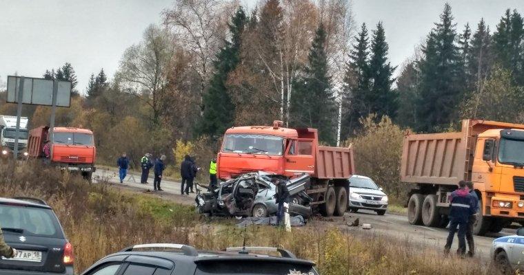 19-летний шофёр умер при столкновении с«Камазом» уповорота вХохряки