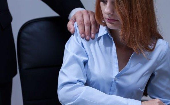 Гендиректора CBS обвинили в сексуальных домогательствах