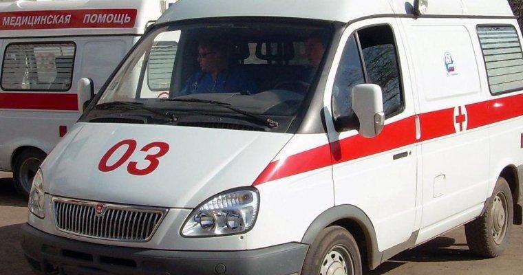 ВЭнгельсе Саратовской области отпавшие колеса скорой помощи травмировали девочку