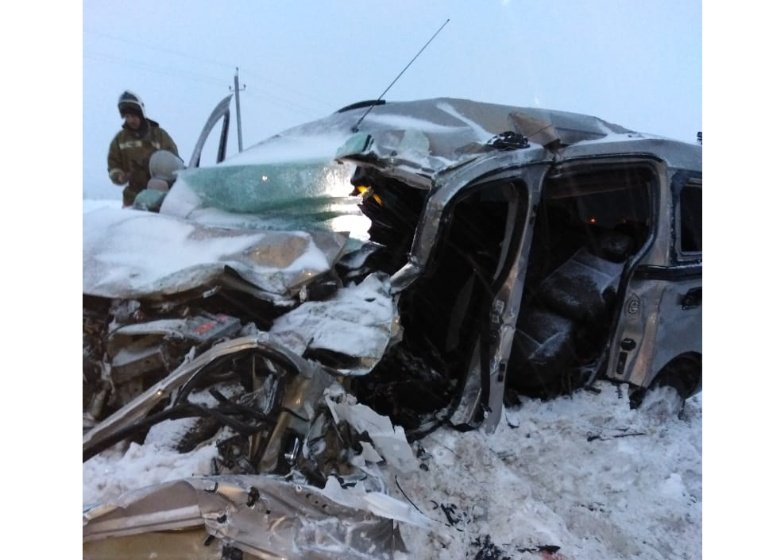 «В лоб» столкнулись автомобили «ГАЗ» и «Пежо»