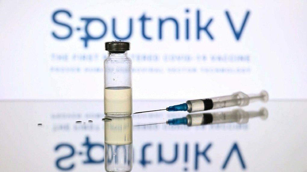 Британские СМИ извинились за фейки о краже россиянами формулы вакцины от COVID-19