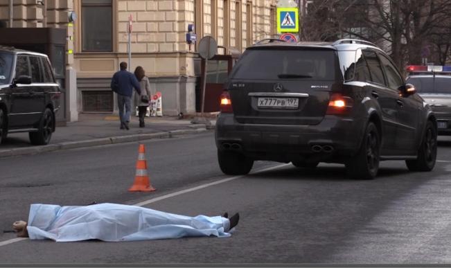 порноактриса сбила девушку в москве фотоснимке мужчин