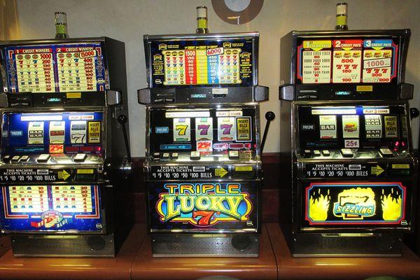 Ижевск игровые автоматы взломы игровые автоматы клубничка