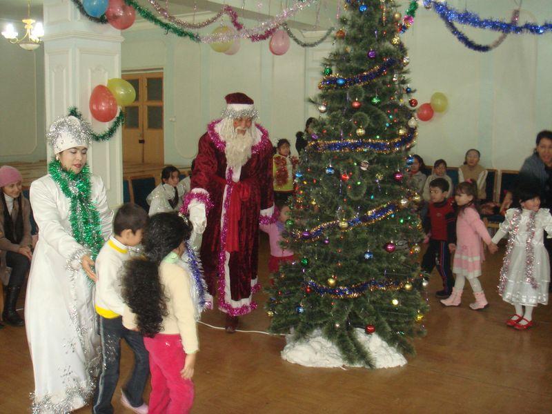 Праздник нового года в школах