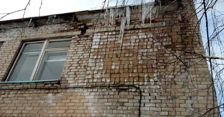 Руководитель Удмуртии прокомментировал ситуацию сразрушающимся детсадом в д. российский Вожой ФОТО