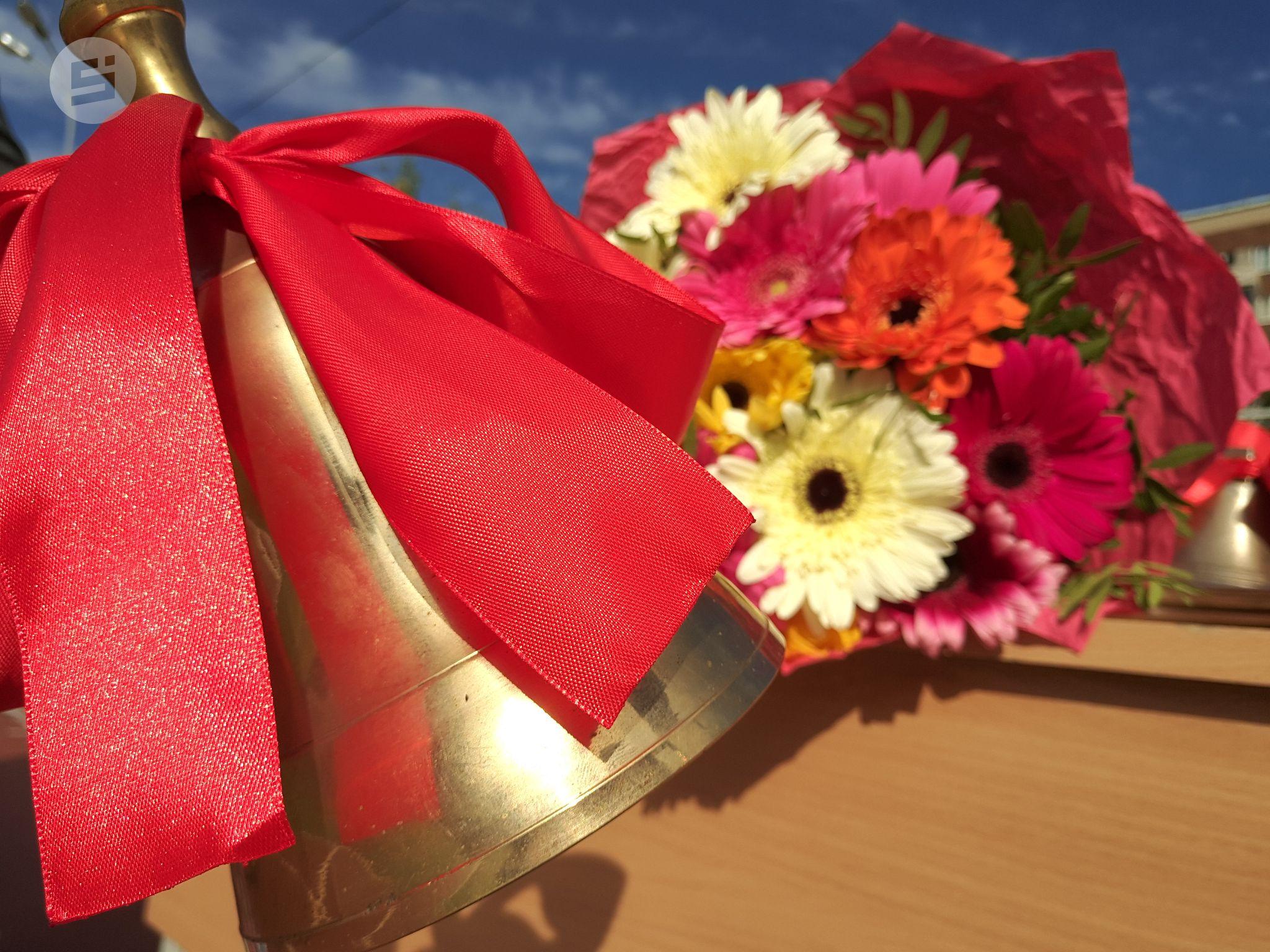 картинки цветов на выпускной можно хранить