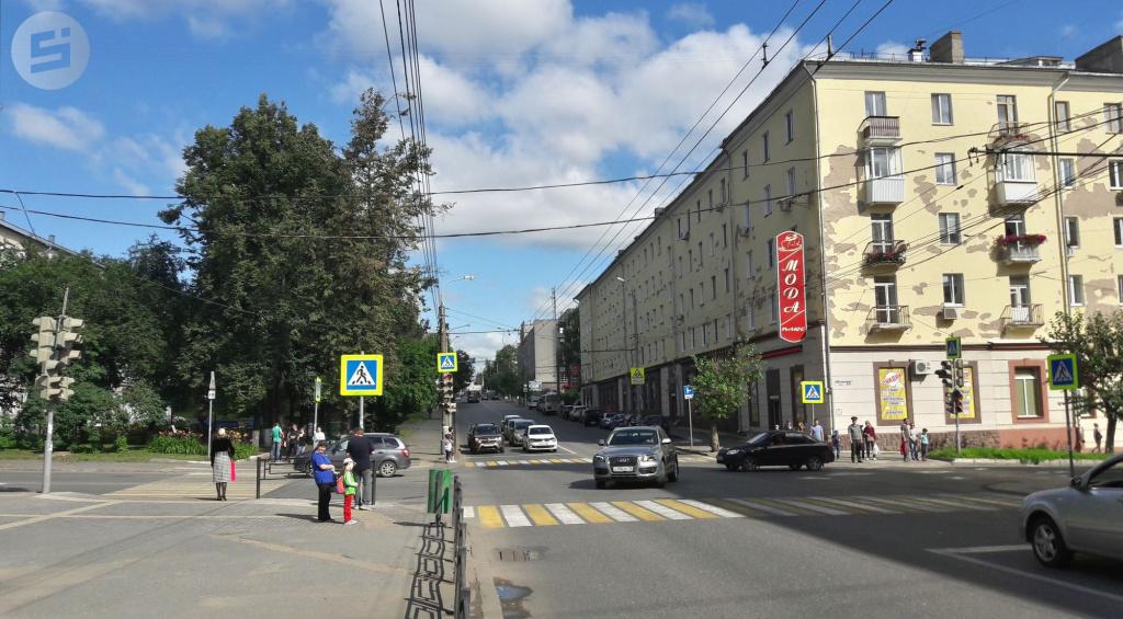 Ижевск Советская улица лето дорога 3.jpg